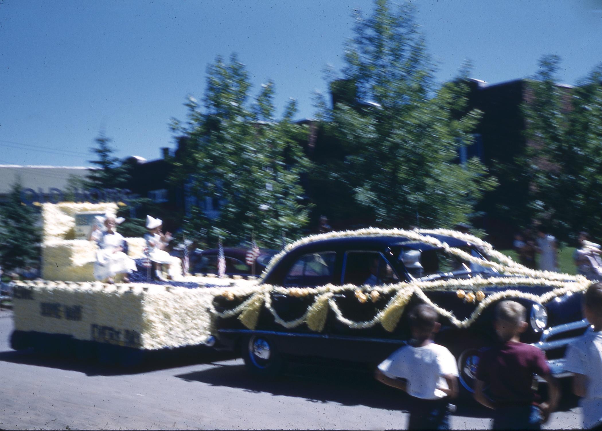 parade-2